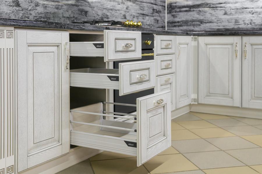 Белый кухонный гарнитур-Кухня МДФ в эмали «Модель 47»-фото4