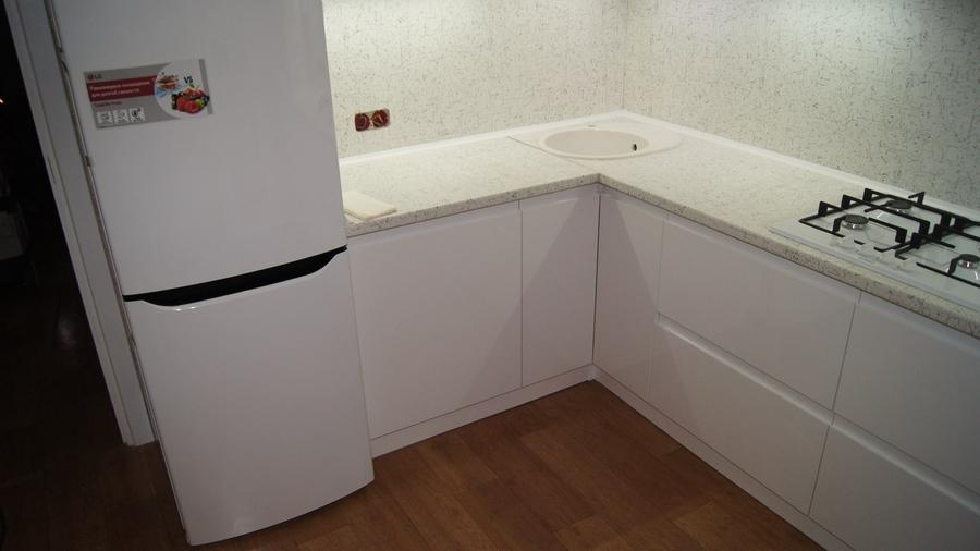 Белый кухонный гарнитур-Кухня МДФ в эмали «Модель 286»-фото1
