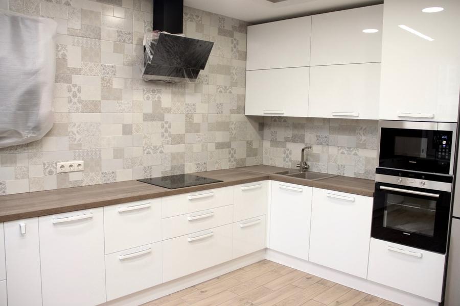 Белый кухонный гарнитур-Кухня МДФ в эмали «Модель 289»-фото2