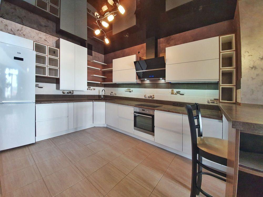 Белый кухонный гарнитур-Кухня МДФ в эмали «Модель 537»-фото1